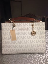 White and gray michael kors leather tote bag Calgary, T2K 1B5