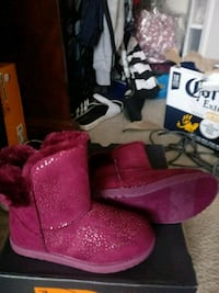 pink suede mid-calf snow boots with box Alexandria, 22311
