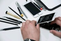 FIX Broken IPhone Screen for Less Price  London, N6E 1V4