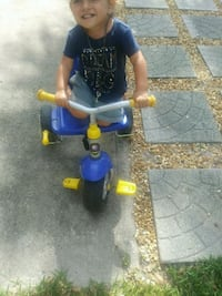 toddler's blue and yellow trike Fort Pierce, 34982