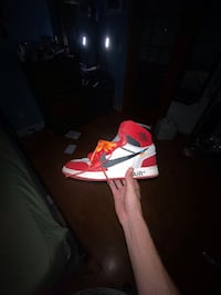 Chicago off white 1s sz 9.5 with box and all laces Homestead, 33032