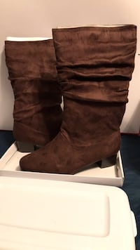 NEW... SIZE: 10W. BROWN BOOTS Winchester, 22602