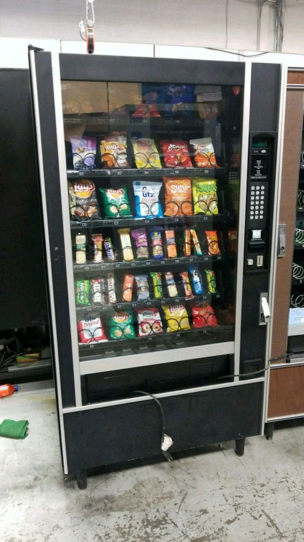 Fully working snack vending machine