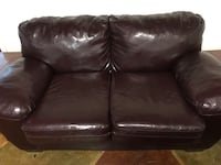 Burgundy love seat Roanoke, 24019