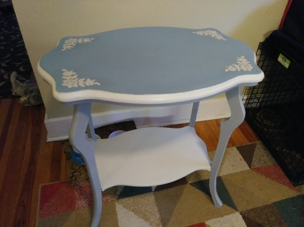 Wood colonial blue/gray/white accent table