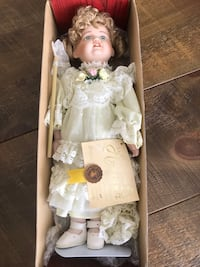 """Collectible Porcelain doll Brandy 16"""""""
