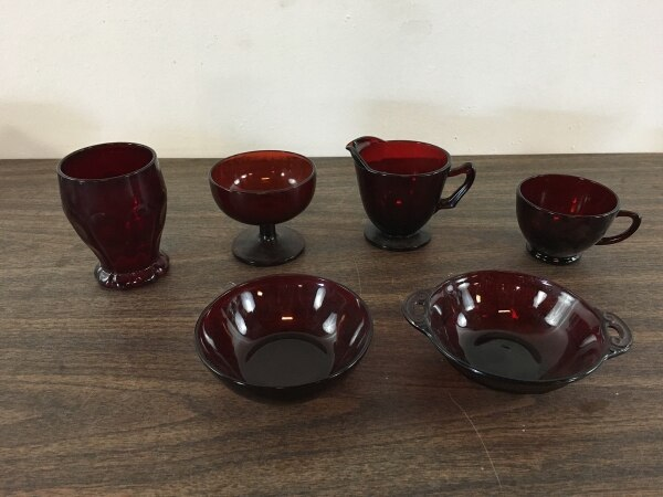 Suite of Vintage Ruby Red Depression Glass Kitchenware (1011560)