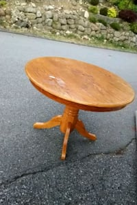 round brown wooden pedestal table Lions Bay, V0N