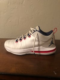 Men's shoes basketball shoes CP3 size 11