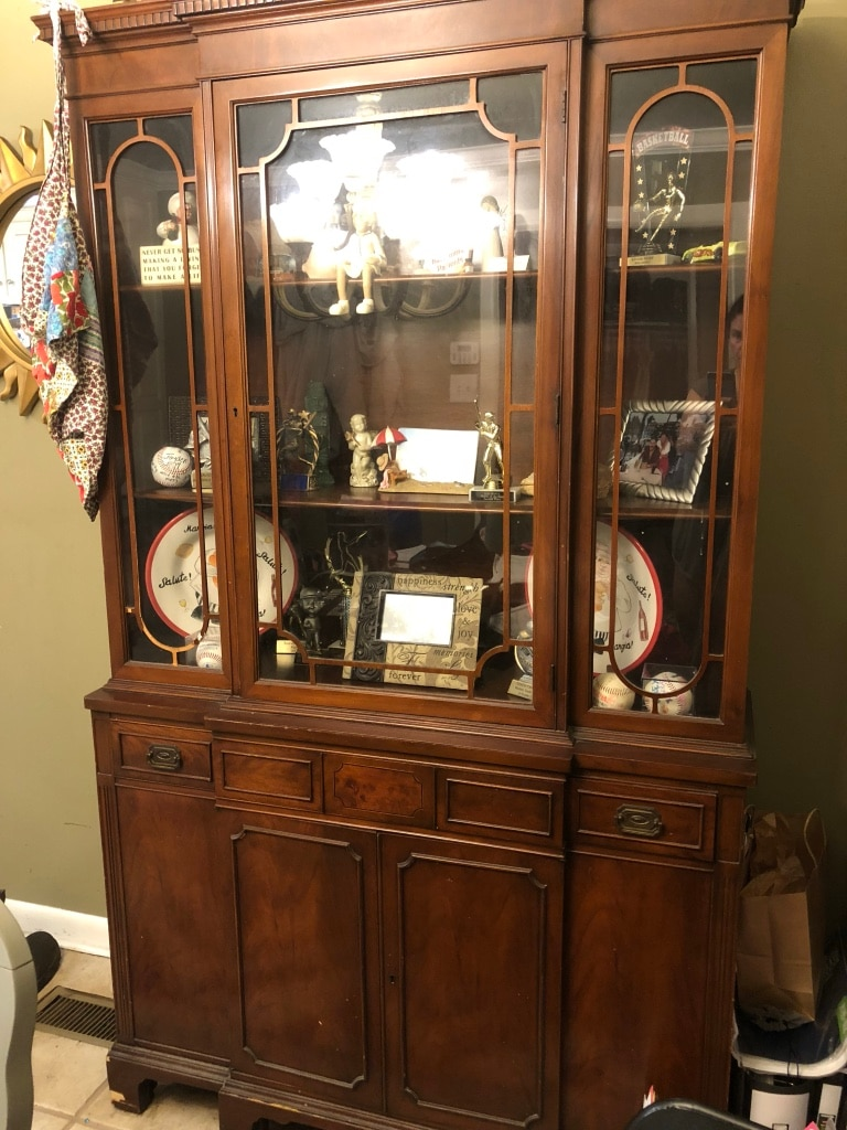 Photo Antique china cabinet with key