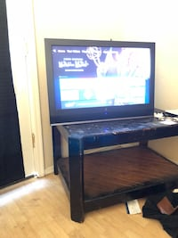 Tv and tv stand for sale Mesa, 85203