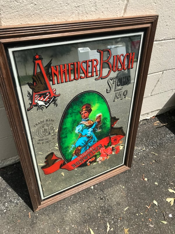 Old Vtg Collectible Anheuser Busch Glass Mirrored Bar Sign advertisin 1aece826-0e85-4c3d-8541-a27c7968b416