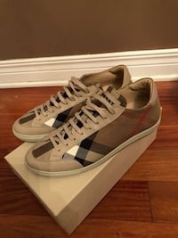 Burberry running shoes  783 km