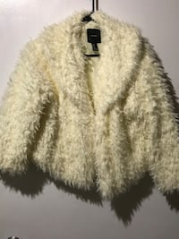 white fur coat with fringe Annandale, 22003