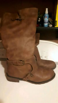 New 25$ wide calf boots..size 9