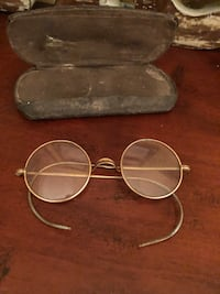 Vintage Pair of Glasses & Case! Naperville, 60540