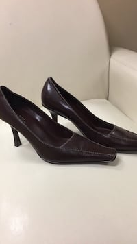 Brown shoes size 81/2