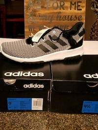 pair of black-and-white Adidas sneakers Henderson, 89014