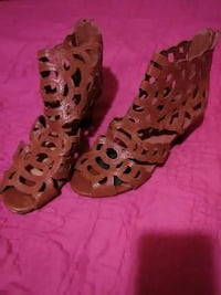 9 to 10 N,YV,I,P, shoes excellent condition$20   Brownsville, 78526