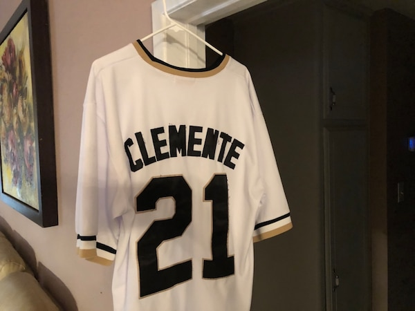 e50043165f6d Used white and black Pittsburgh Pirates 21 jersey for sale in Jurupa Valley