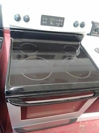 Kenmore stainless electric stove Cleveland, 44102