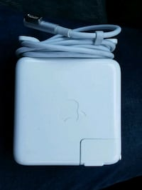 MacBook Pro Charger (60w, Magsafe 1) 41 km
