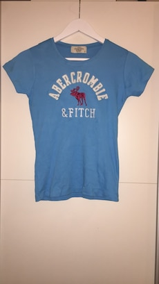 Abercrombie and fitch t-skjorte