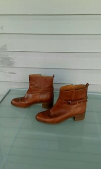 pair of brown leather round-toe chunky-heeled ankle boots