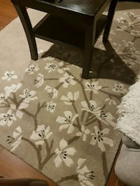 Flower taupe wool carpet  Coquitlam, V3C 2H4