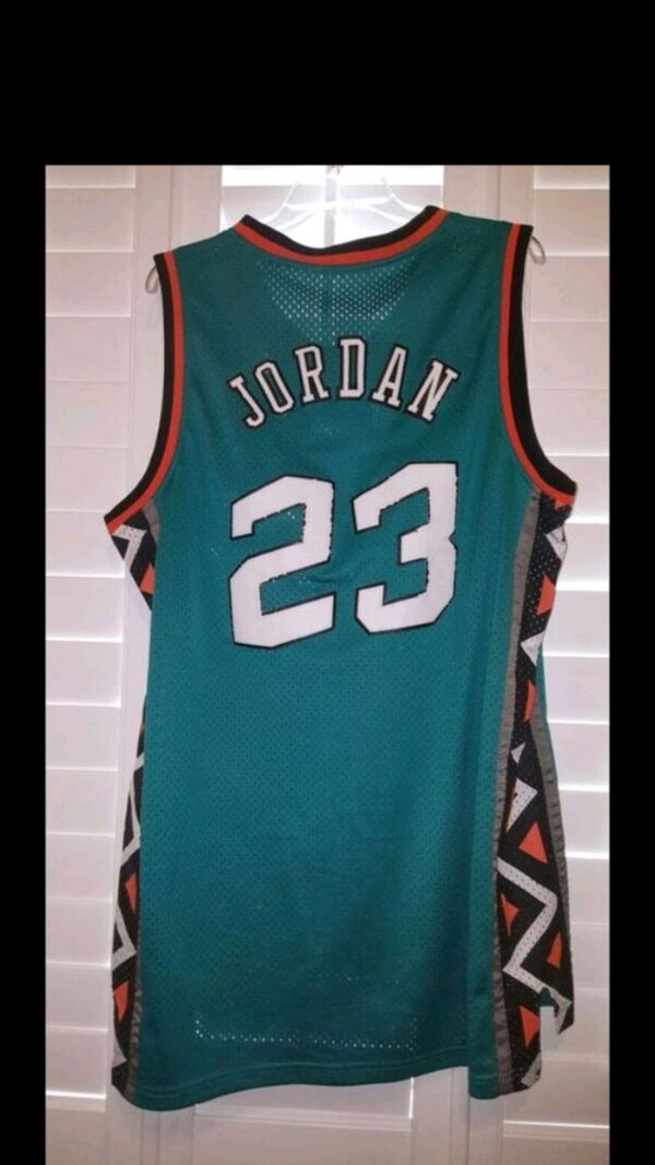 Used Green And Yellow Boston Celtics 33 Jersey For Sale In San Jose