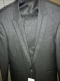 Suit and pants brand new  Manteca, 95336