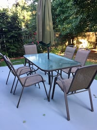 Patio table with 6 chairs  Lilburn, 30047