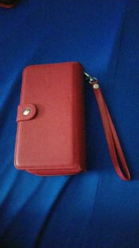 Case red leather wristlet Cambridge, N1T 2C6
