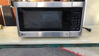 Black and silver lg countertop microwave Azusa, 91702