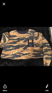 HUF limited edition sweater London, N6E 1M3