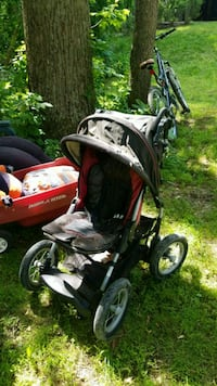 baby's black and red jogging stroller Springfield, 22151