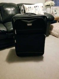 Medium sized luggage bag