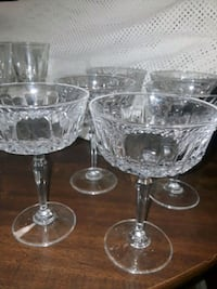 clear cut glass footed wine glasses Grimes, 50111