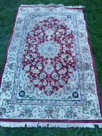 white and red floral area rug Skokie, 60076