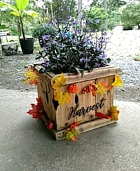 Farmhouse/fall planter Thomasville, 27360