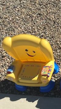 Fisher price laugh and learn chair  Rio Rancho, 87124