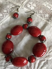 Red and black beaded bracelet & matching earrings  Winfield, 60190