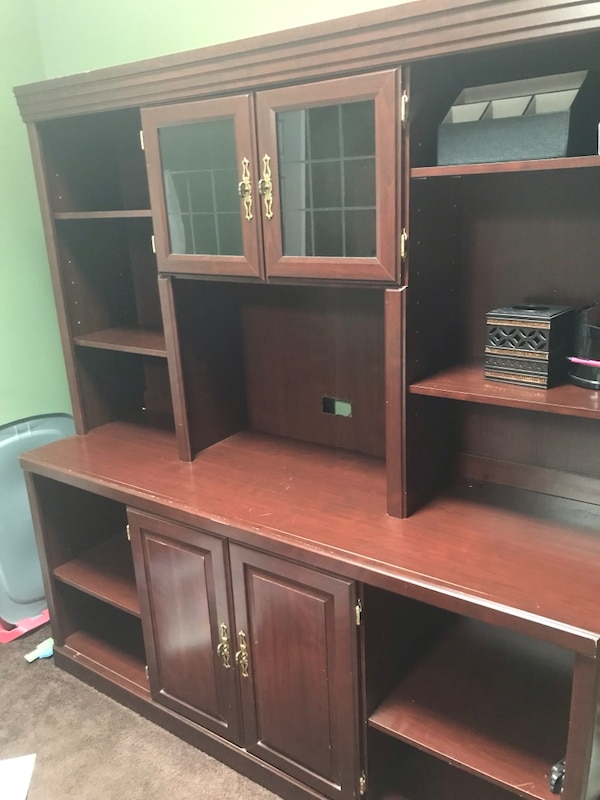 Hutch Desk With Slide Out Drawers In Decent Shape Has Some Scratches Ls Negotiable On Price Need To Quick