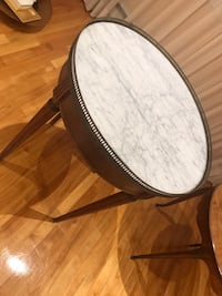 Beautiful wooden marble table antique and modern look Montréal, H4M 2J3