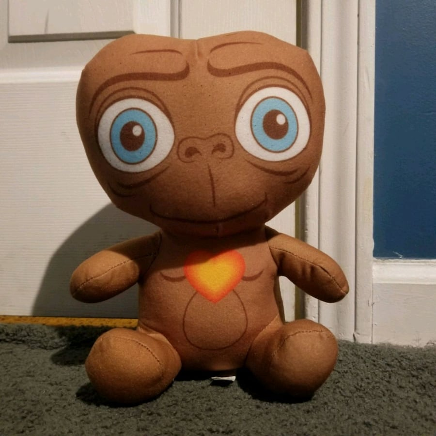 E.t. the extra-terrestrial plush doll