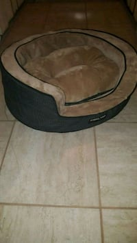 brown and black pet bed Ottawa