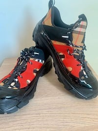 Size 10 Burberry Shoes