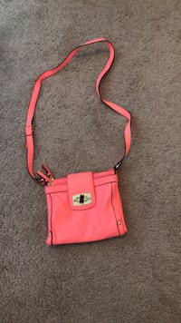 Pink leather crossbody bag  Huber Heights, 45371