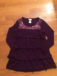 Size 7/8 girls tunic shirt with sequins. Pu in Dieppe. Dieppe, E1A 6V5