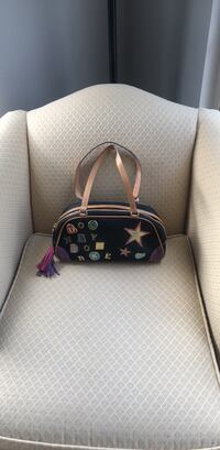 Dooney and Bourke all leather bag 27 km
